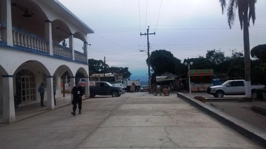 Denuncian represión política en cierre de purificadora en Z. Mena